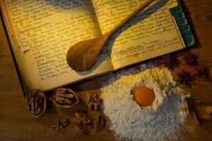 11153911-un-libro-di-cucina-scritto-a-mano-con-antiche-rice